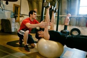 Πώς θα επιλέξεις έναν πραγματικά καλό personal trainer