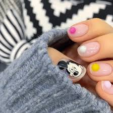 pompom nails2