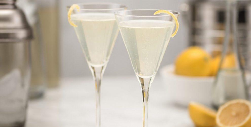 4 γευστικά cocktails που μπορείτε να φτιάξετε σήμερα απολαμβάνοντας μια ανοιξιάτικη Κυριακή