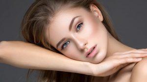 Περιποίηση προσώπου: Οι 11 συνήθειες που μας κάνουν πιο όμορφες