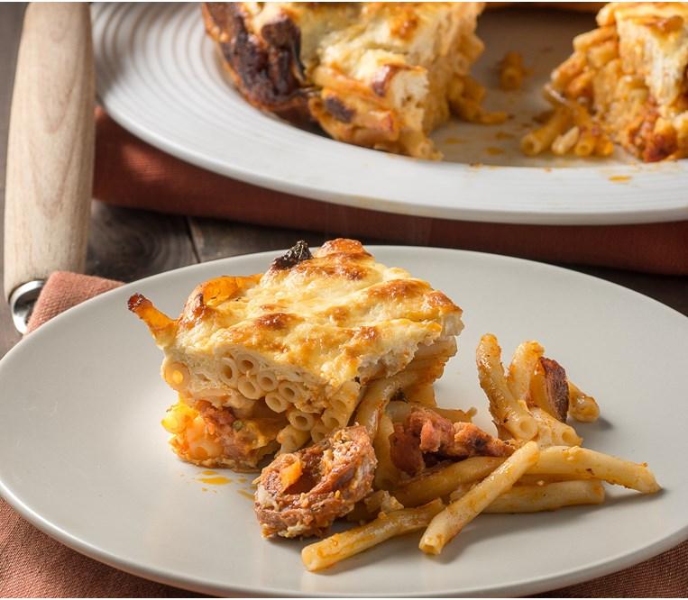 Παστίτσιο με Ντομάτα, Λουκάνικο και Φέτα